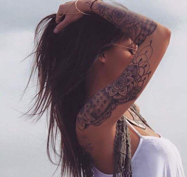 Tatouage De Femme Tatouage Mandala Noir Et Gris Sur Bras Tatoo