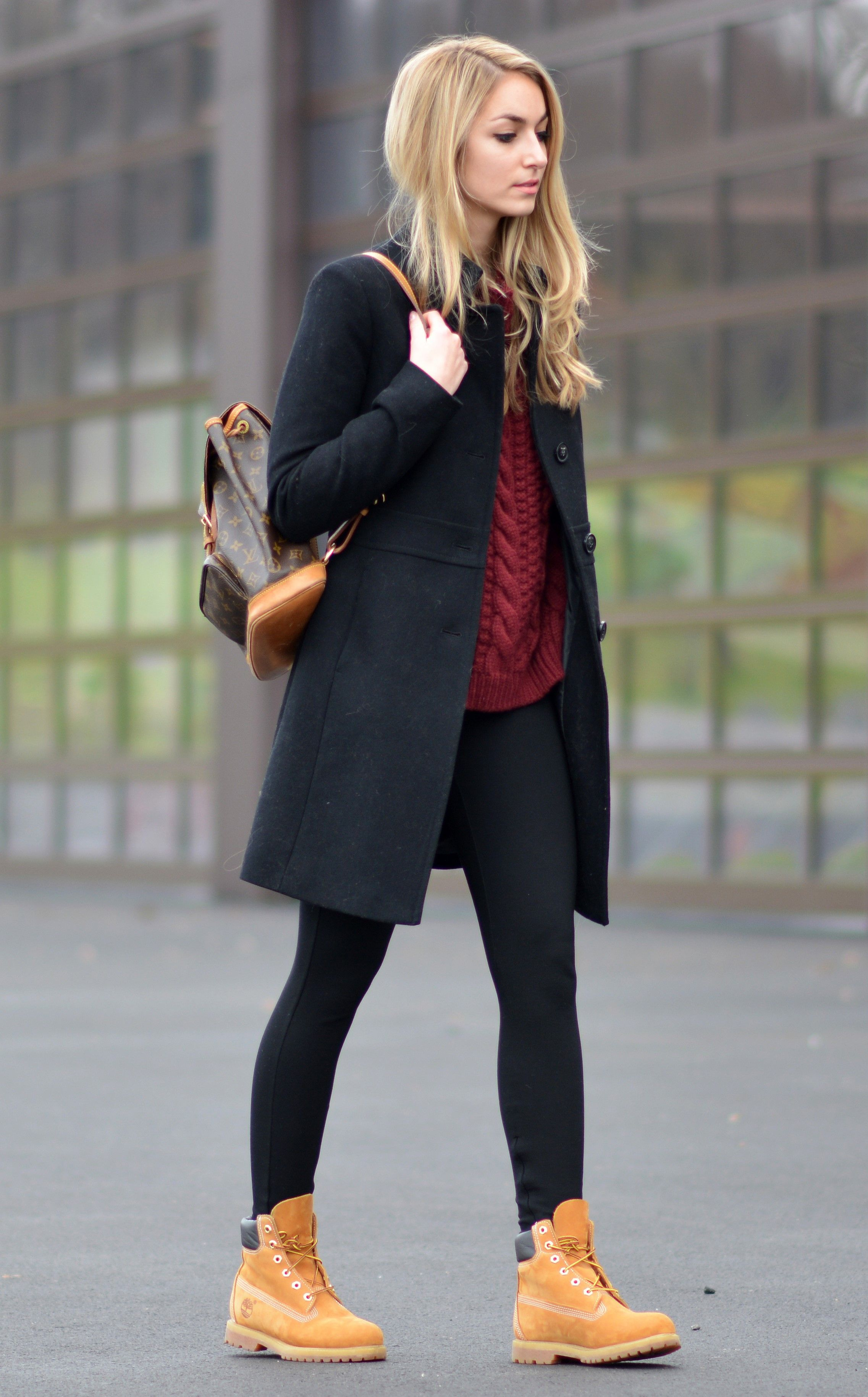 b798eb2d87c Timberlands will look great worn with a simplistic leggings and knitwear  outfit