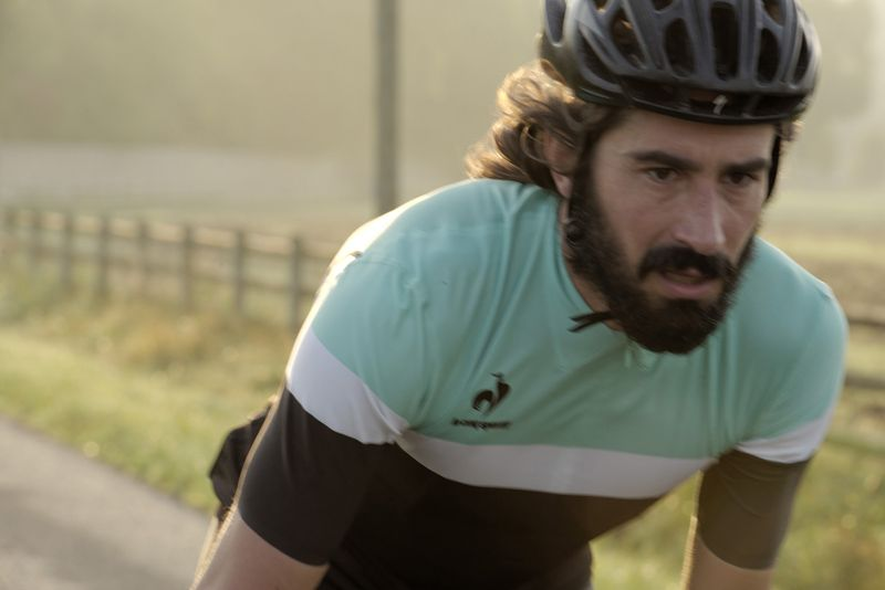 Le coq sportif has used its expertise to design a new range of high performance jerseys for professional and amateur cyclists with slight modifications to allow for regular wear in total comfort. Discover this new 2014 collection on lecoqsportif.com.