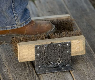 Boot Scraper Mounted To The Outside Step Country Diy Boots Diy Creative Crafts