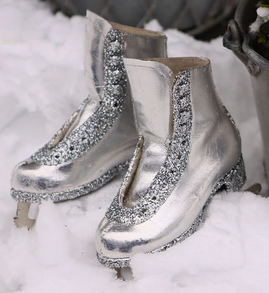 Christmas Ice Skating Rink Decoration: Ice Skates + Glitter = Happy Holiday Great Diy For Old