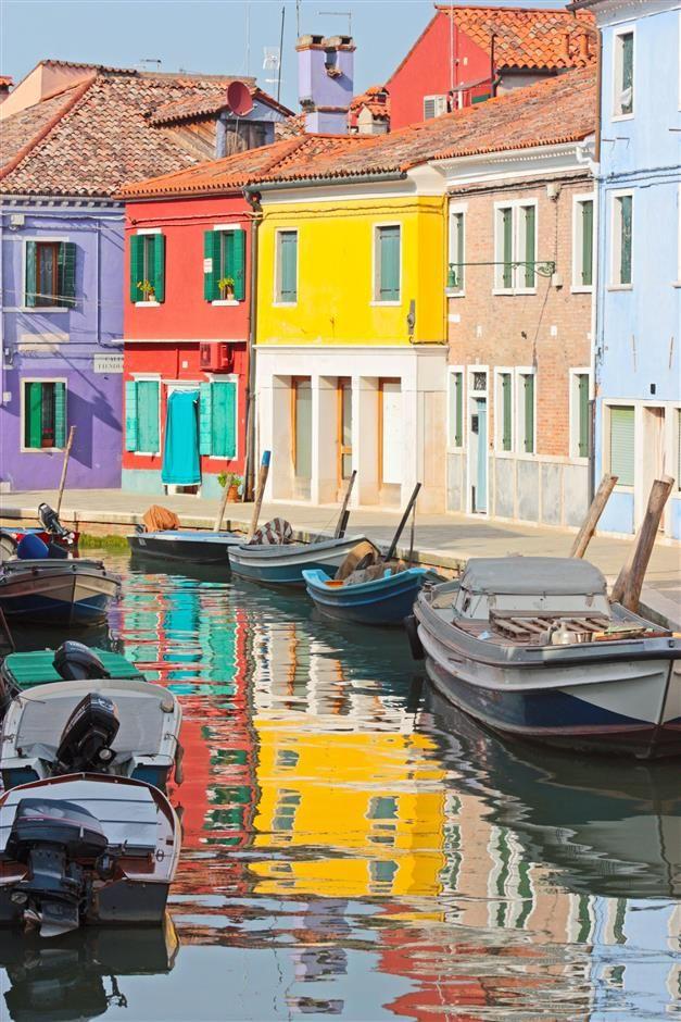 Euphorie provençale #peinture #façade #beige #rouge #bleu #jaune - peinture de facade maison