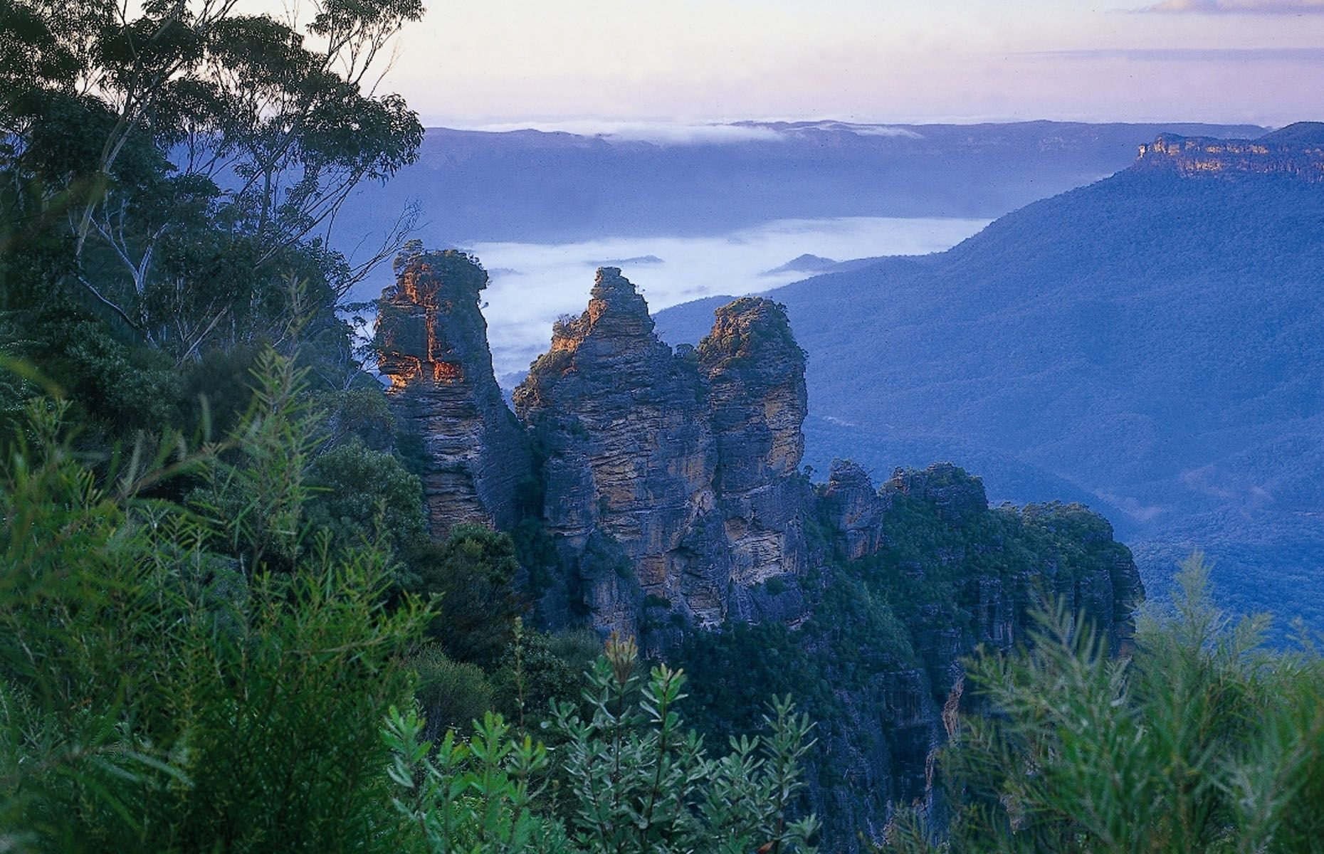 Three Sisters - AAP Image/Blue Mountains Tourism