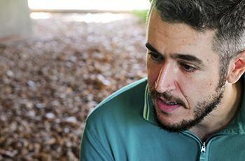 Bruno Moreschi, autor da enciclopédia-paródia Art Book