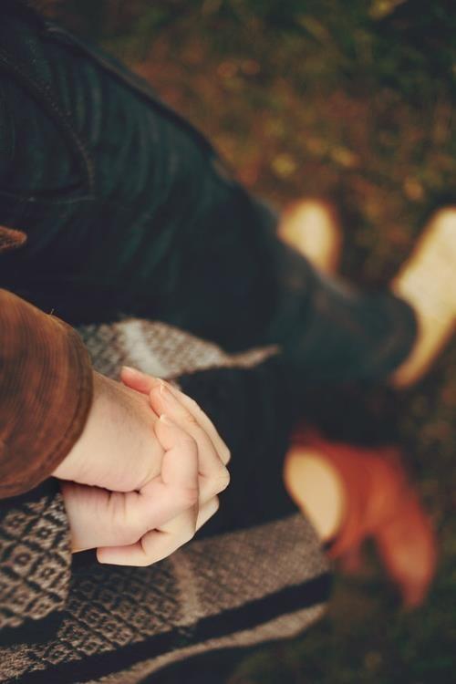 holding hands summer flings