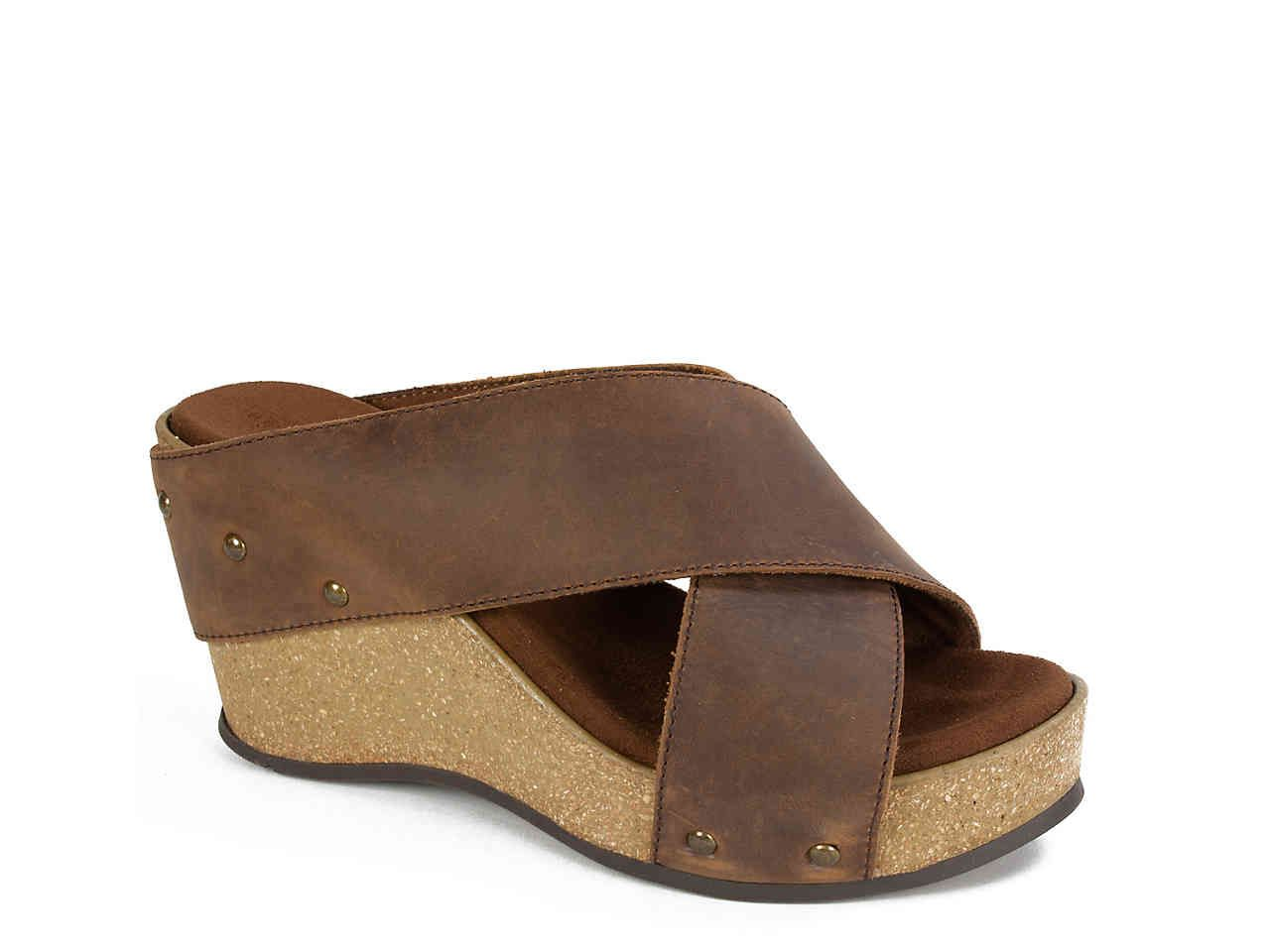 White Mountain Cuttler Wedge Sandal