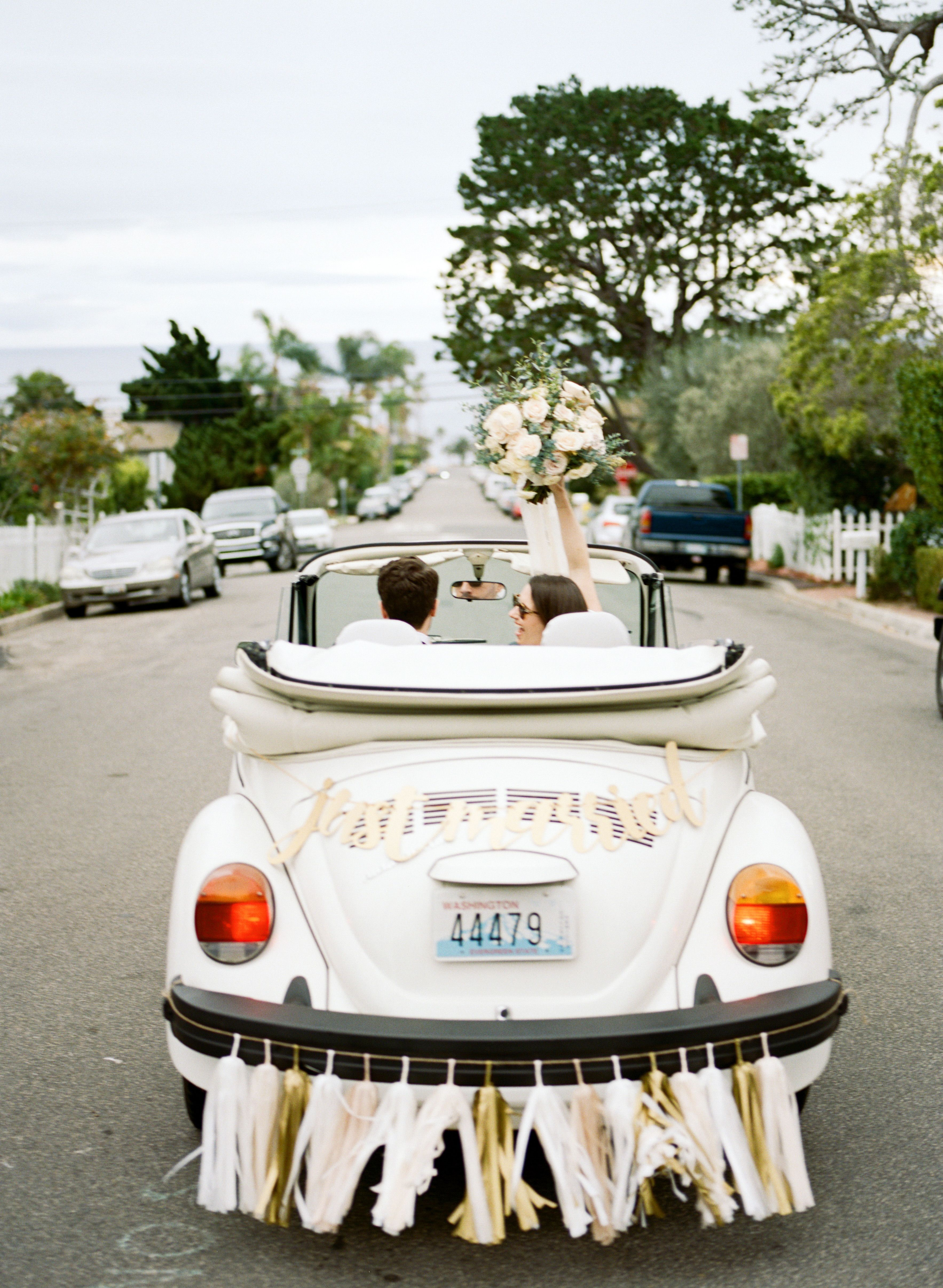 Just Married Car Decoration Ideas from i.pinimg.com