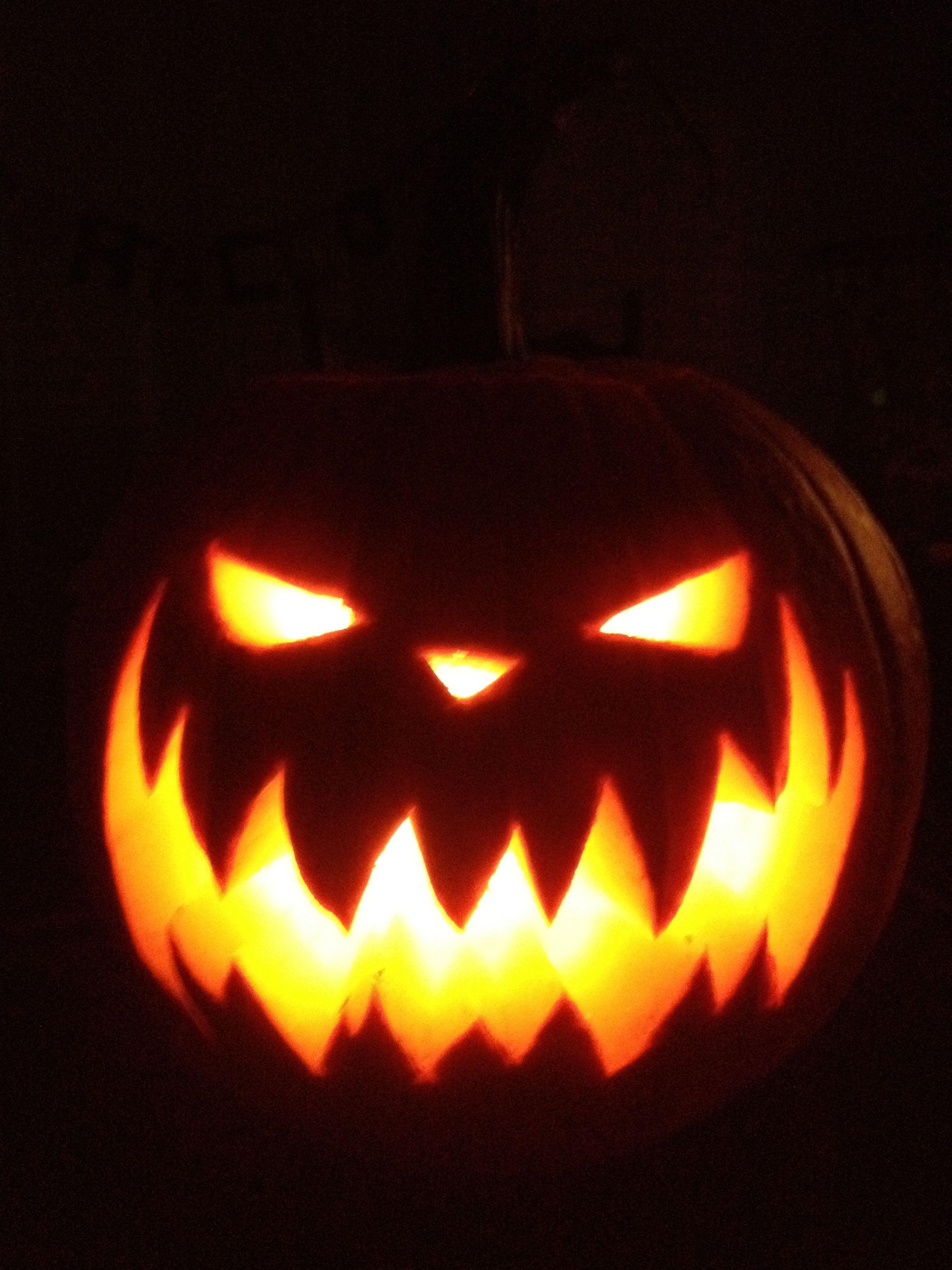 Pumpkin carving - Nightmare before Christmas Pumpkin King pumpkin ...