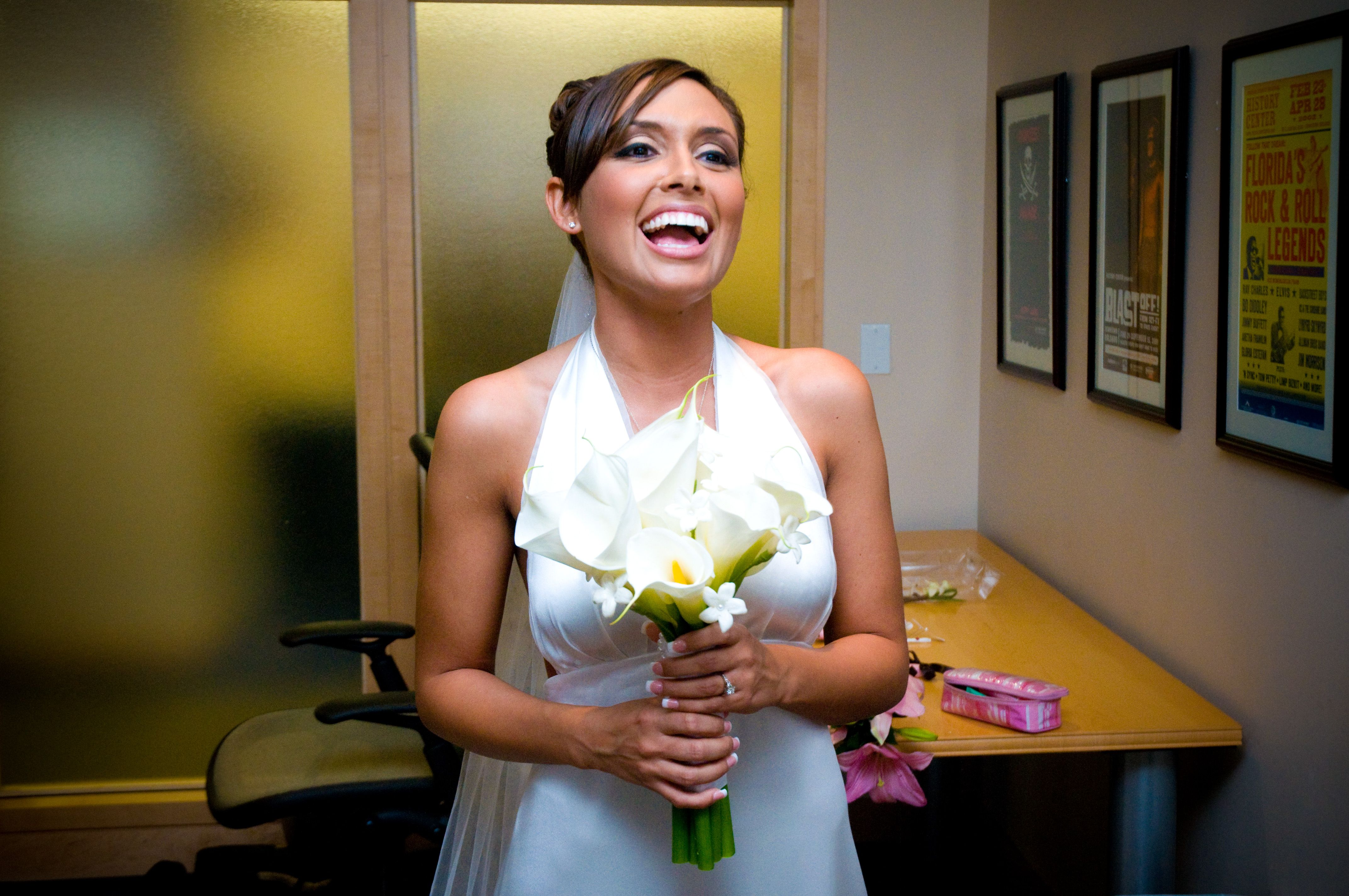 Dramatic beautiful wedding makeup Wedding hair and