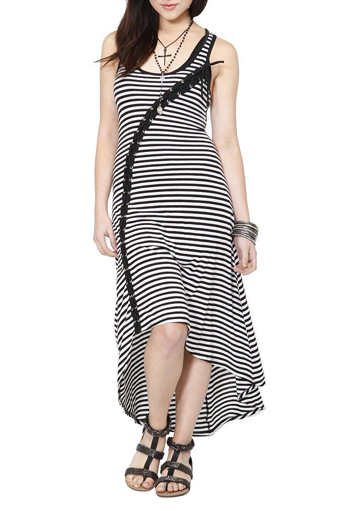 a4c4a30b9c This high-low maxi dress is a super cool summer pick and looks great ...