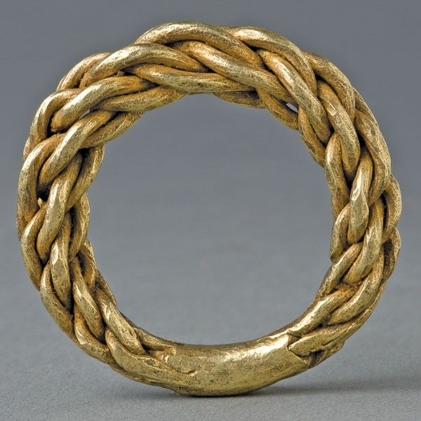Viking Double Plaited Gold Ring Sweden This and more ancient