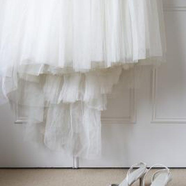 how to make your own detachable wedding skirt