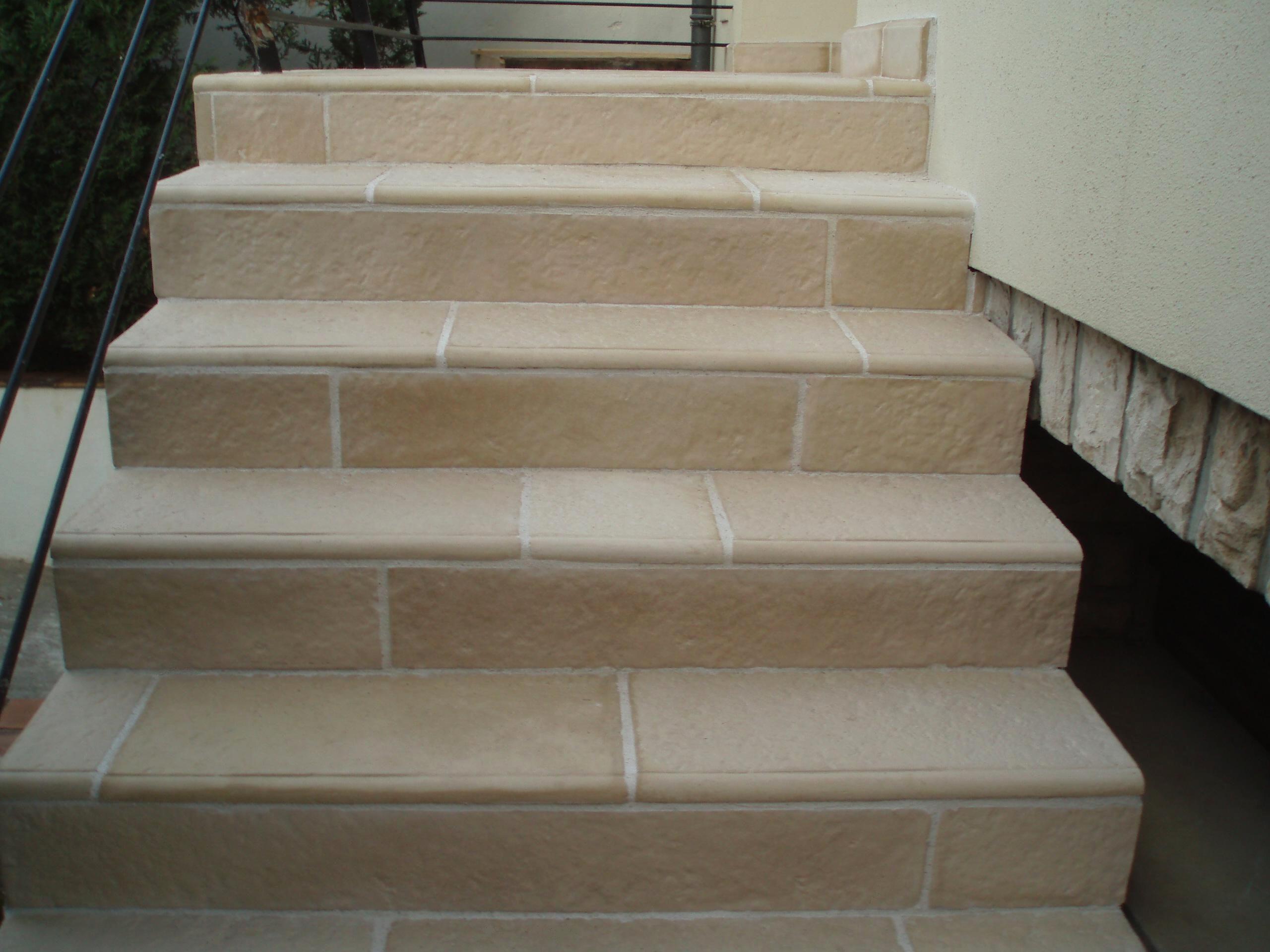habillage d 39 escalier en pierre reconstitu e pierre de b. Black Bedroom Furniture Sets. Home Design Ideas