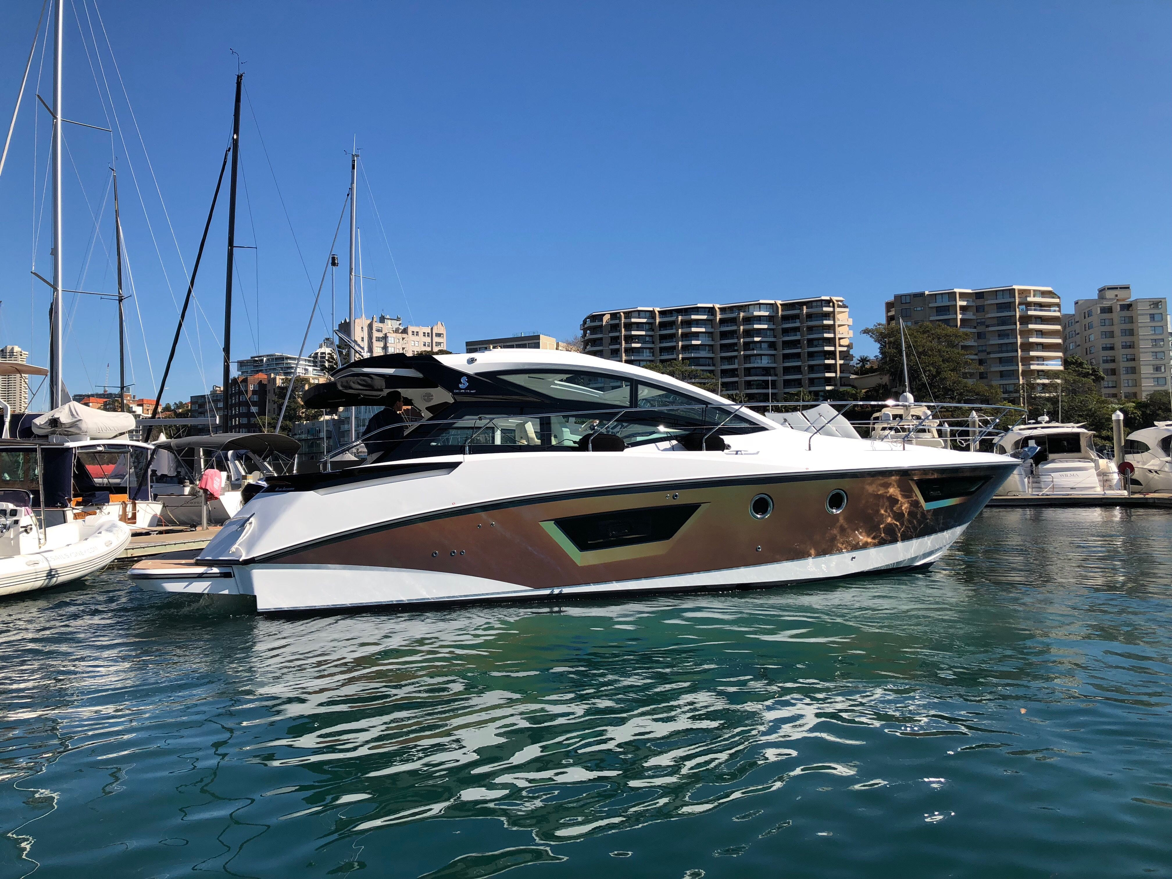 The Customer Kindly Just Sent Us Photos Of Their Gran Tourismo 40 In The Water We Wrapped In 3m Psychedelic Wow I Love It Boat Wraps Custom Vinyl Boat