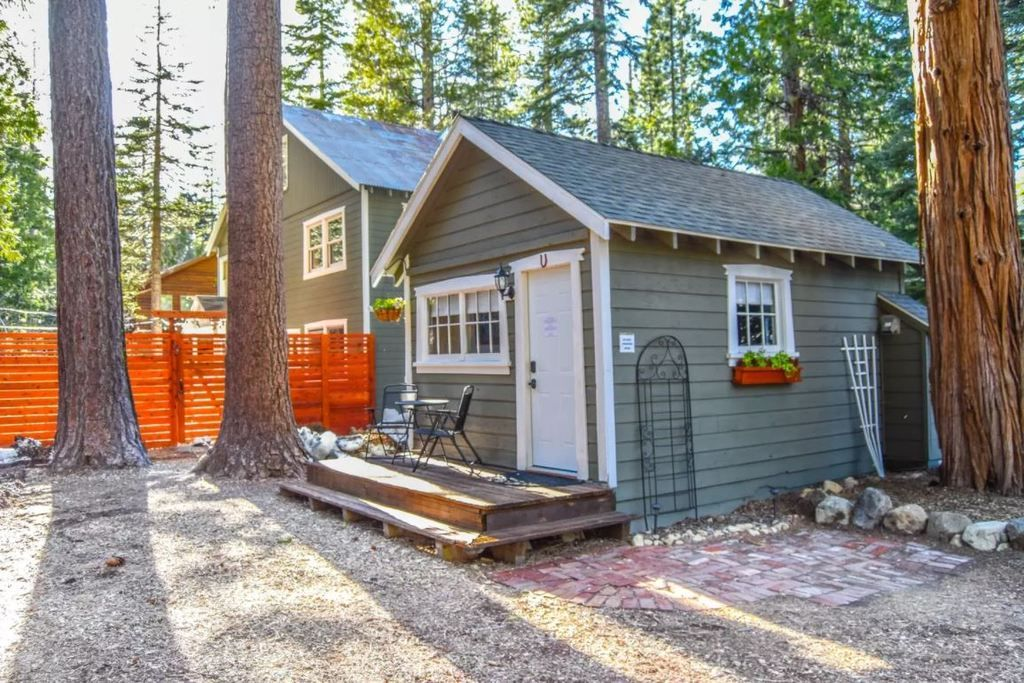 50 Tiny Houses You Can Rent On Airbnb In 2020 Renting A