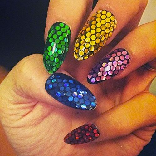 Lily Allen Blue Green Purple Red Yellow Sequins Nails Steal