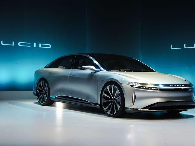 Lucid Motors Shows Off Air An Electric Luxury Sedan Sports Cars Luxury Car Luxury Sedan
