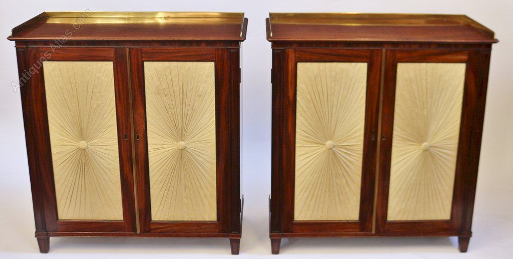 Fine Pair Of Regency Mahogany 2 Door Side Cabinets Side Cabinet Regency Furniture Mahogany