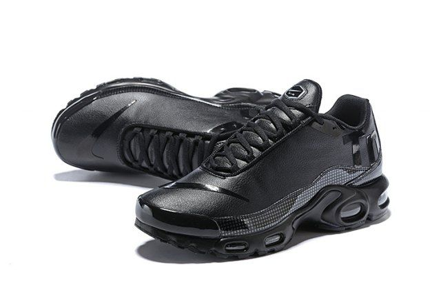 wholesale dealer a26bb 1504f Nike Mercurial Air Max Plus Tn All Black Men s Running Shoes
