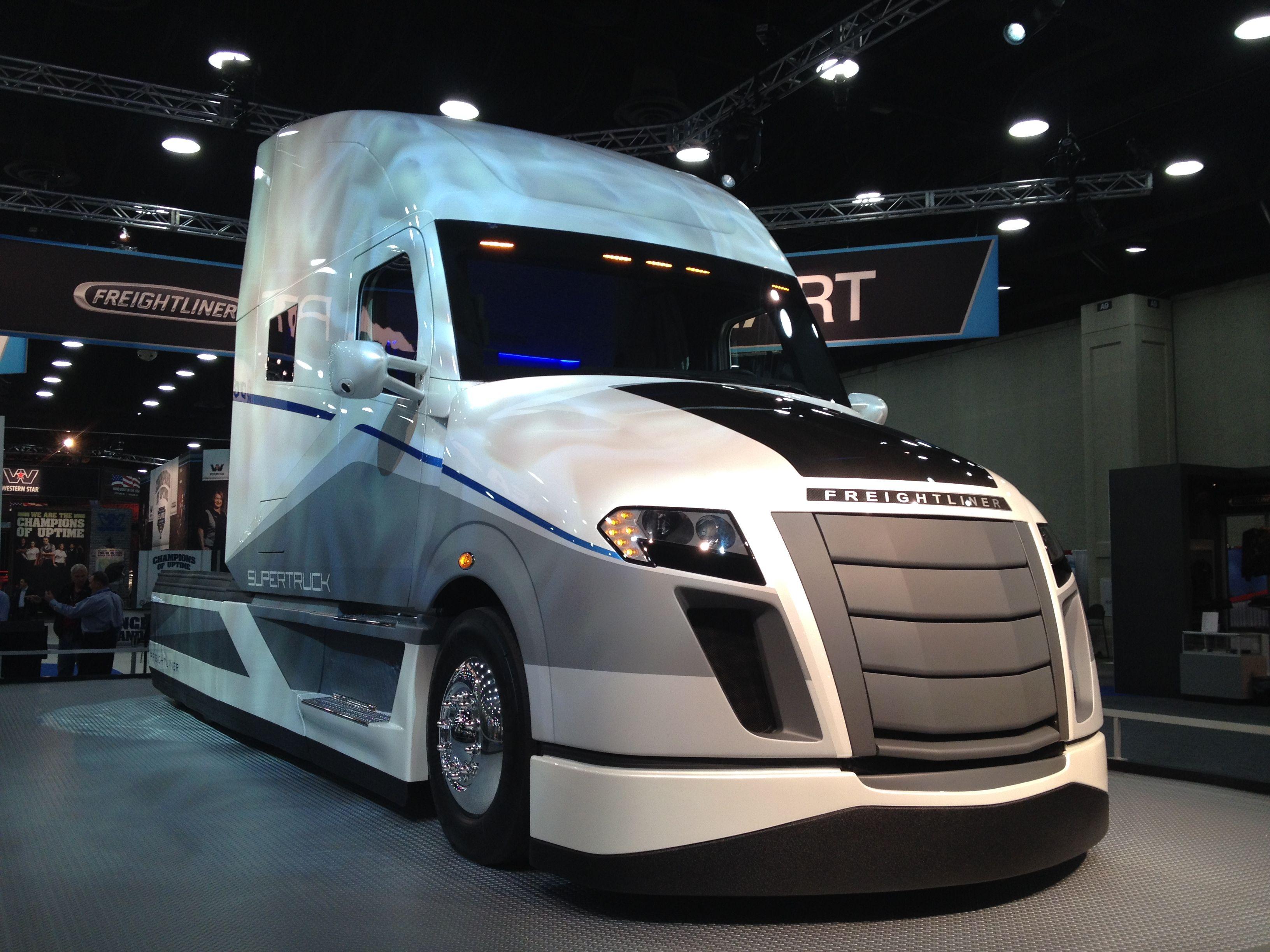 Best 25+ Freightliner Trucks Ideas On Pinterest