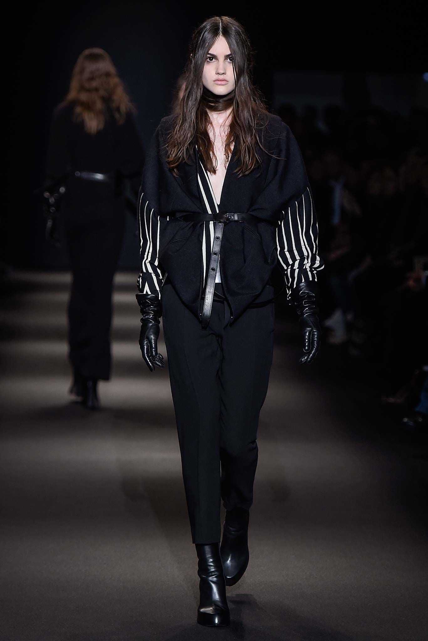 Ann Demeulemeester Fall 2015 Ready to Wear Collection