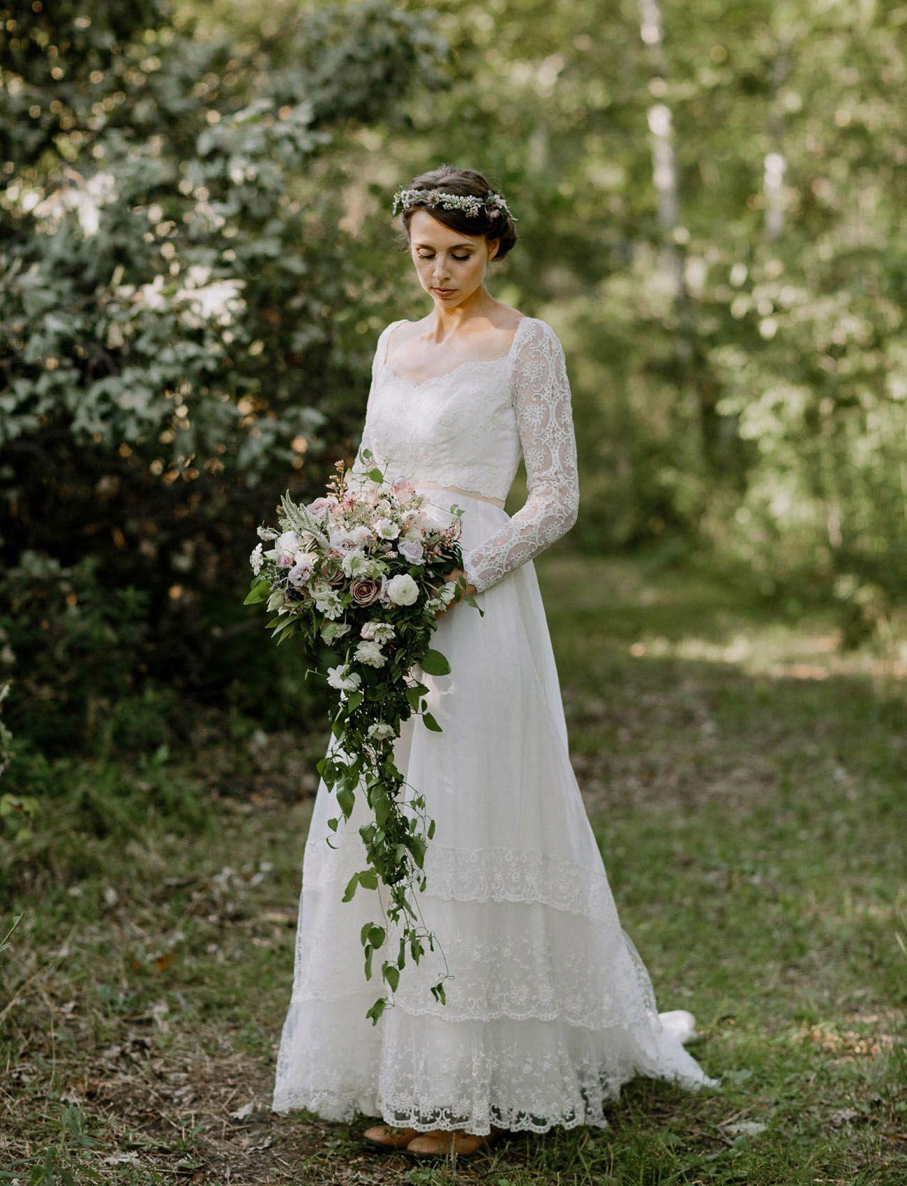 Intimate Minnesota Farm Wedding Jaclyn Gonzalo Green Wedding Shoes Off White Wedding Dresses Edwardian Wedding Wedding [ 1700 x 1300 Pixel ]