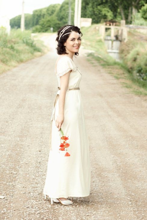 Simple But Pretty Vintage Wedding Dress With Capped Sleeves Online Album On Pics By Great