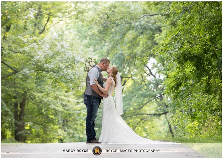 Earnest Wedding Dover Pa Royce Images Photography Llc In 2020 York Pa Wedding Bride Groom Photos Image Photography