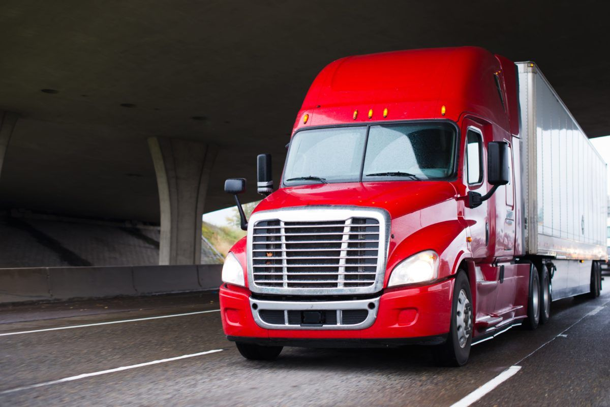 7 fast ways to lower commercial truck insurance rates in