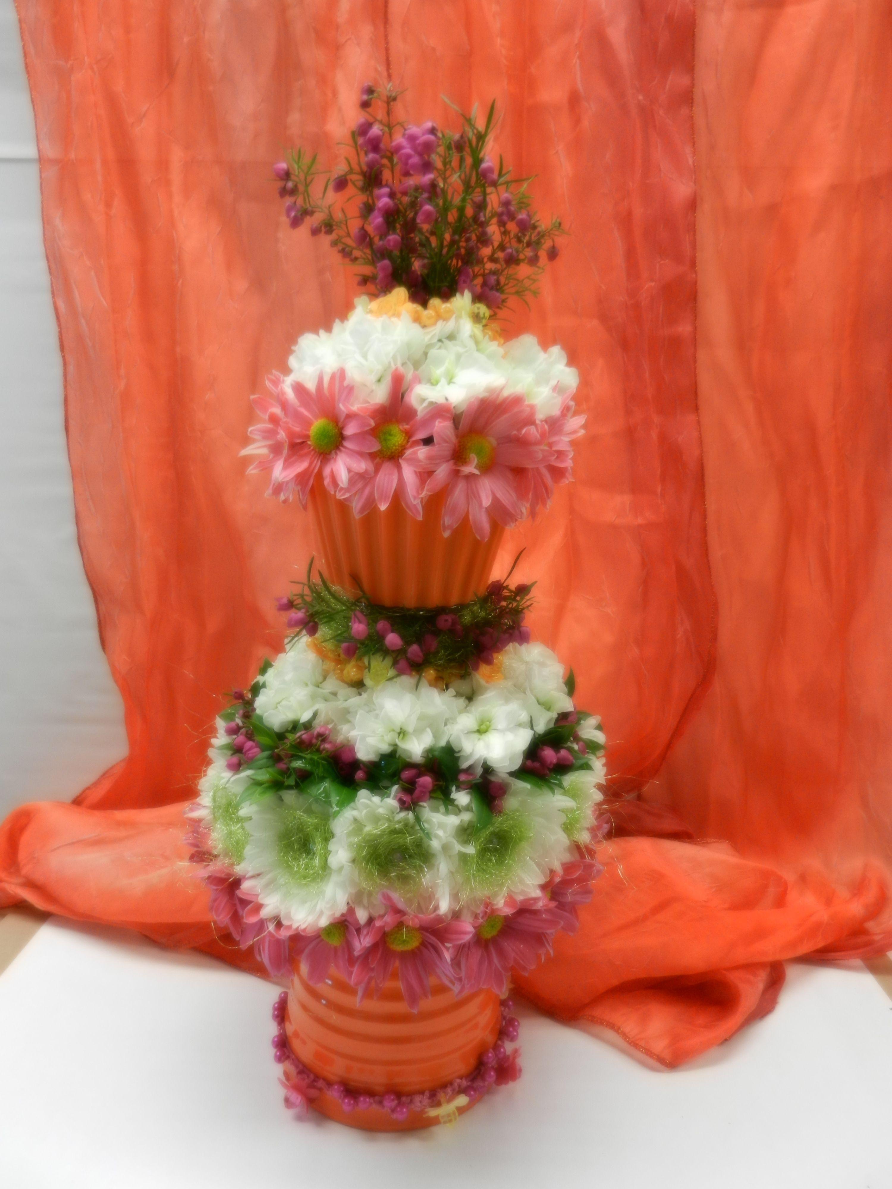Cake Centerpiece by Zsuzsana for wedding show 3/17/12