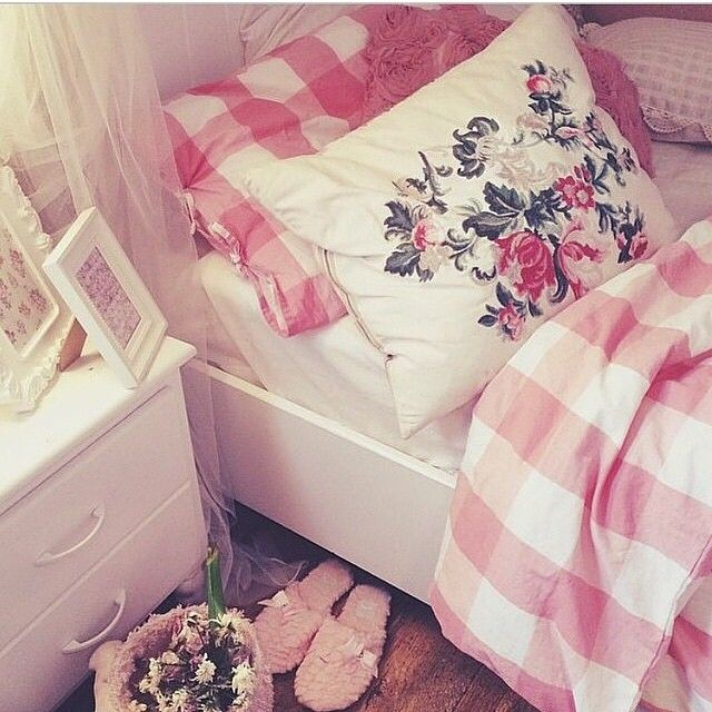 Instagram Photo By Pink Decoration Jan 22 2015 At 4 19pm Utc Pink Decor Decor My Room