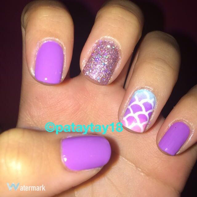 Cute Easy Nails Done With A Mermaid Scale Stencil Kylie Nails Cute Simple Nails Nails