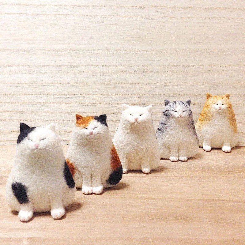 US Seller, 1 Mini Calico Fat Cat DIY Needle Felting Kit, Fiber Art Wool Roving, Felting Fun. Realistic . Approx 2 1/2 Free S&H #needlefeltedcat