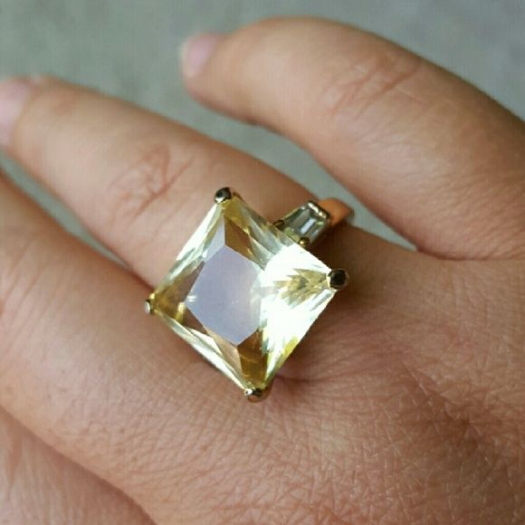 SALE Vintage Princess cut ring 14K gold plated brass with an