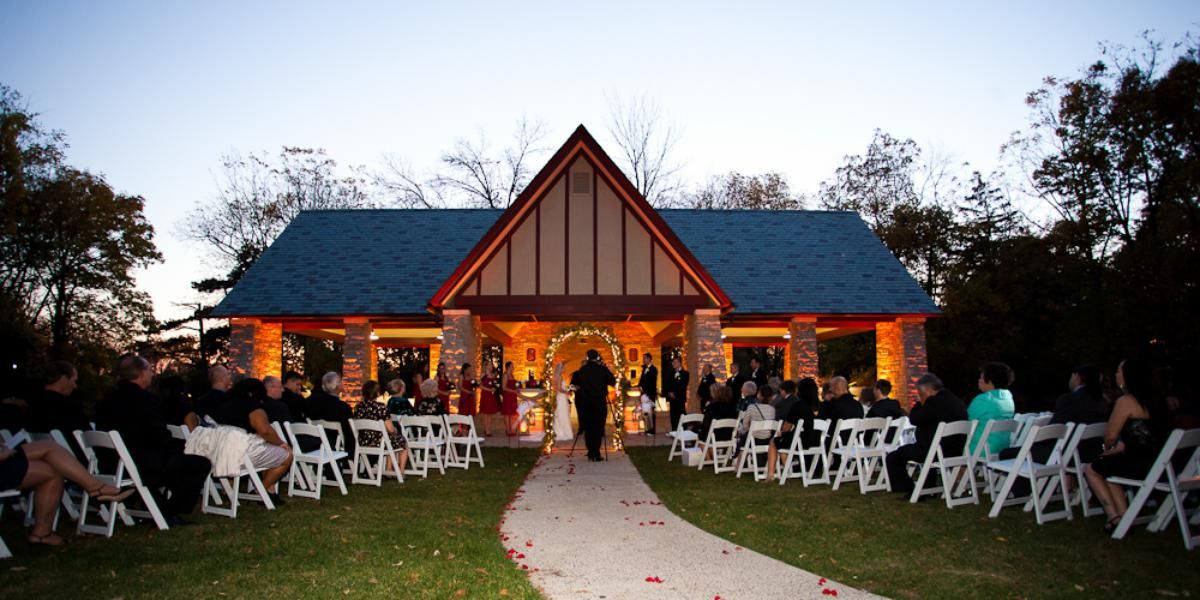 The Grove Redfield Estate Weddings Price Out And Compare Wedding Costs For Ceremony Reception Venues In Glenview Il