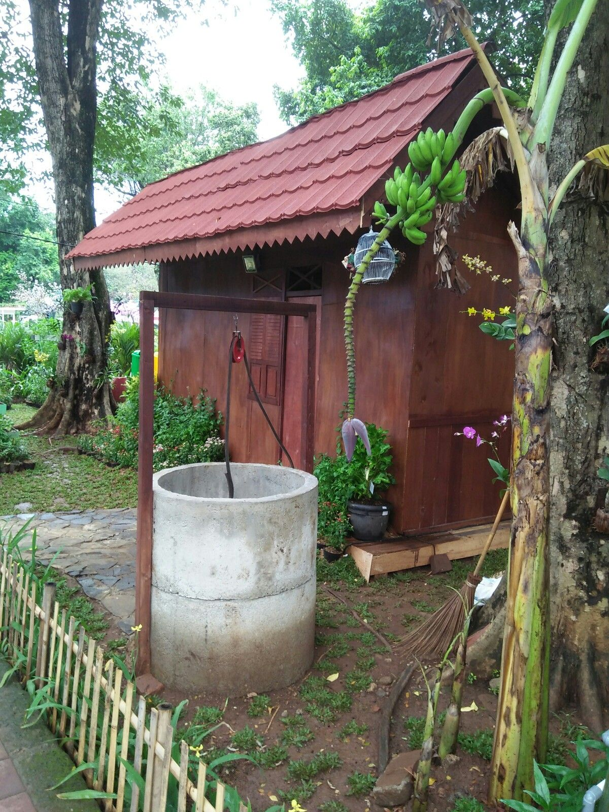 Gambar Rumah Betawi Pin By Bhs On Rumah Betawi Outdoor Gazebo Outdoor Structures