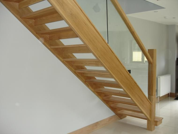 Best White Oak Staircase With Open Risers And Glass Balustrade 400 x 300