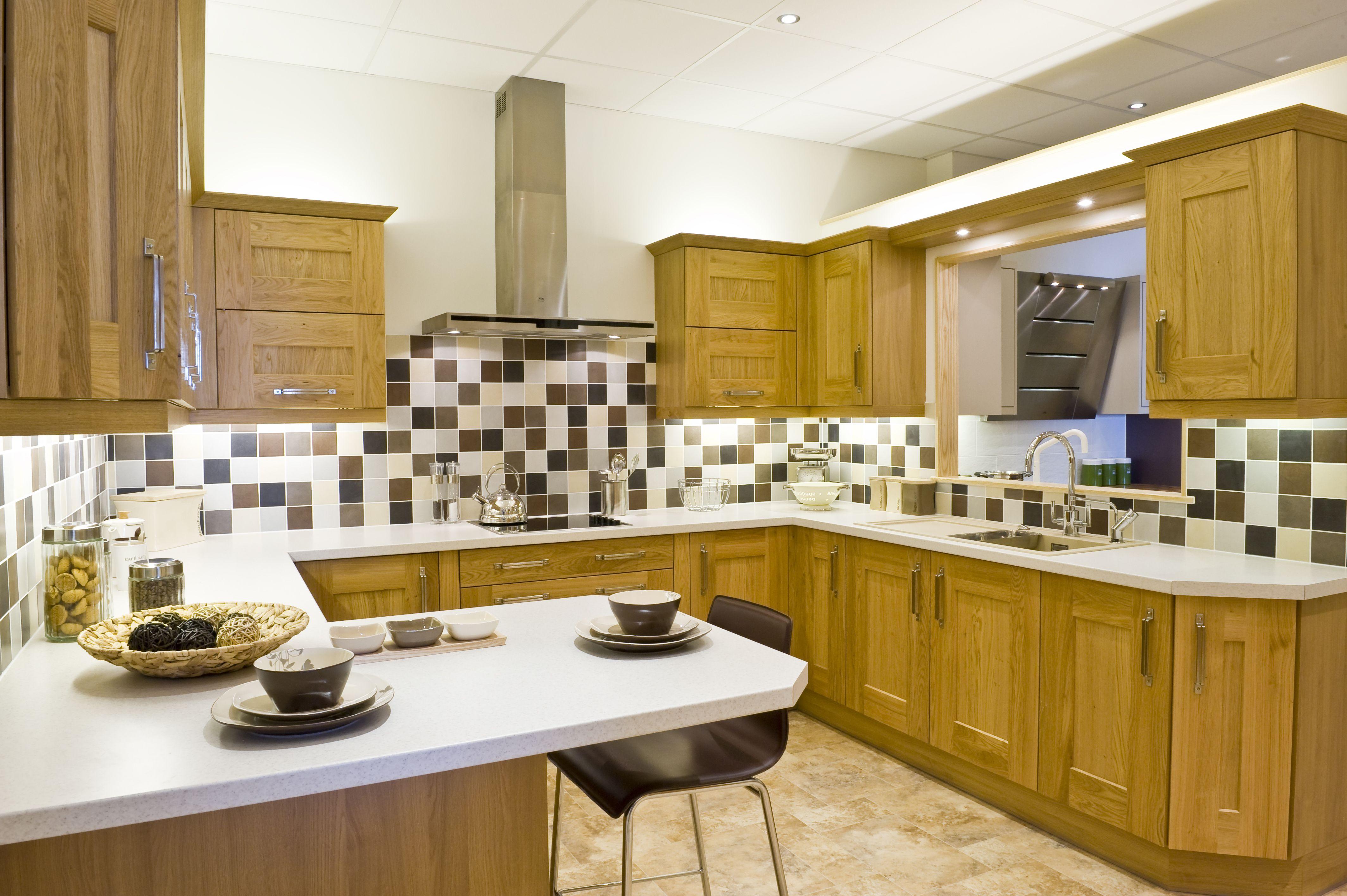 Exdisplay Knotty Oak Clonmel Kitchen Was 12000 Now 2500