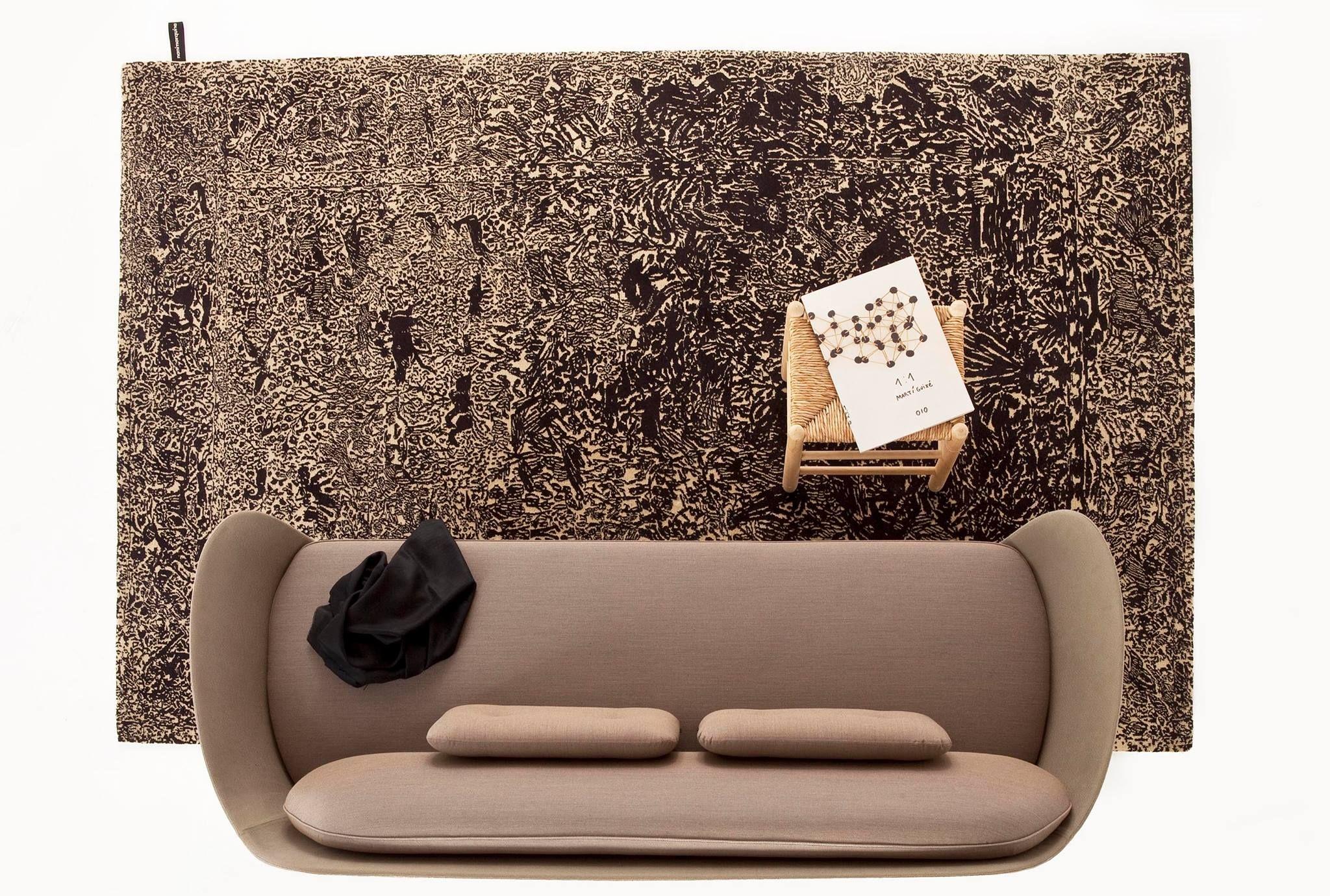 #Nanimarquina estará presentando este año la nueva alfombra #Ghost de Marti #Guixe en la IMM Cologne. Aquí con un sofá #FAVN de Republic of Fritz Hansen diseñado por Jaime #Hayón.