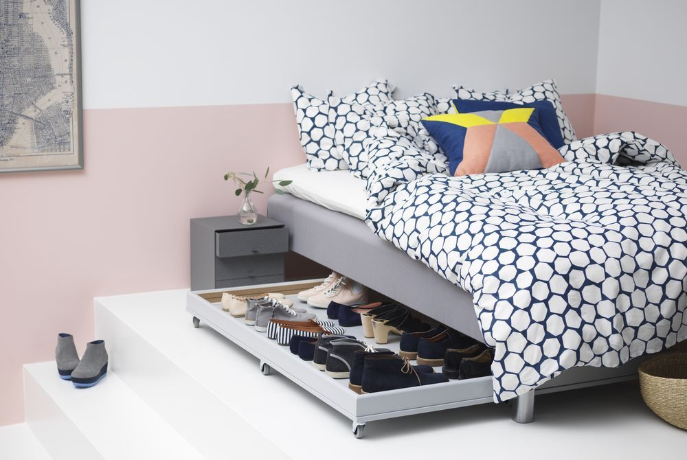 The Empty E Under Your Bed Is Waiting To Be Transformed With An Oversized Pullout Drawer Which Makes Storing Shoes Much Easier