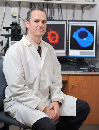 Dr. Stuart Martin, of  the University of Maryland School of Medicine, has been studying microtentacles on breast cancer cells.