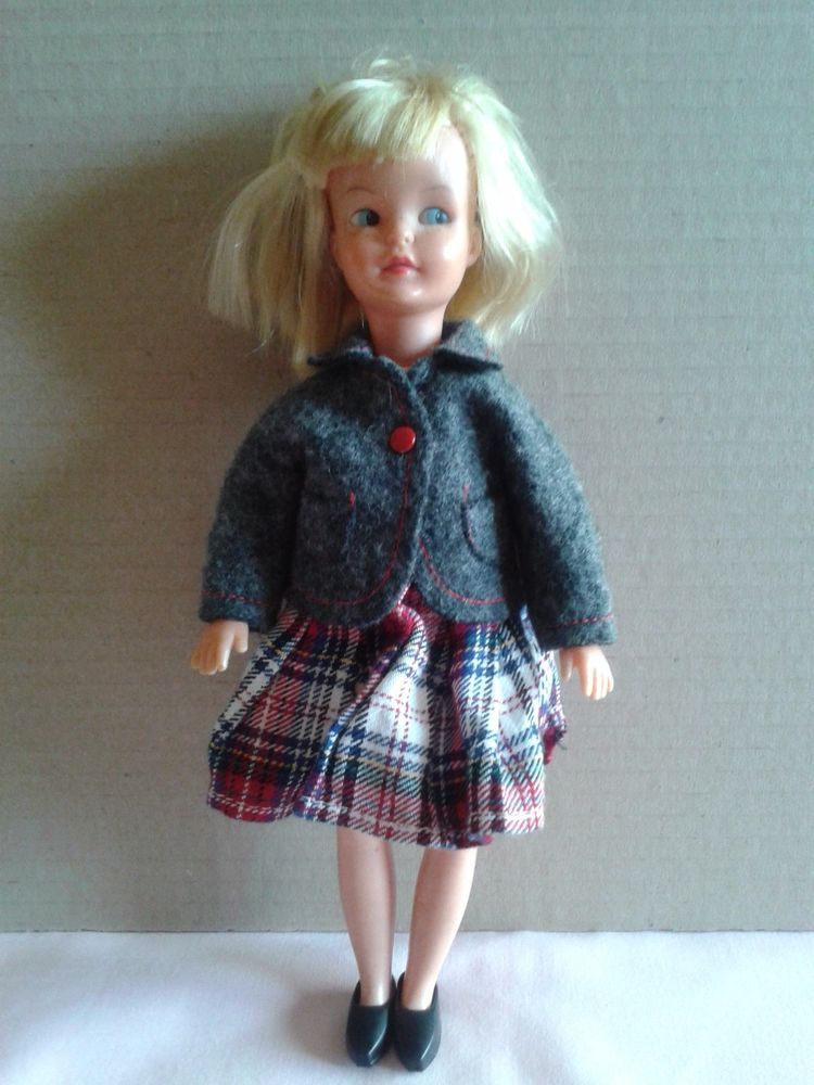 Vintage Sindy Patch Doll with Half Term outfit 9P09 1967