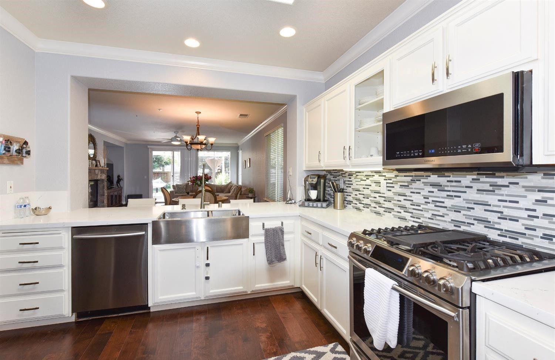 Silestone Black Canyon White Cabinets Stainless Appliances Quartz Kitchen Silestone Countertops Unique Kitchen Backsplash