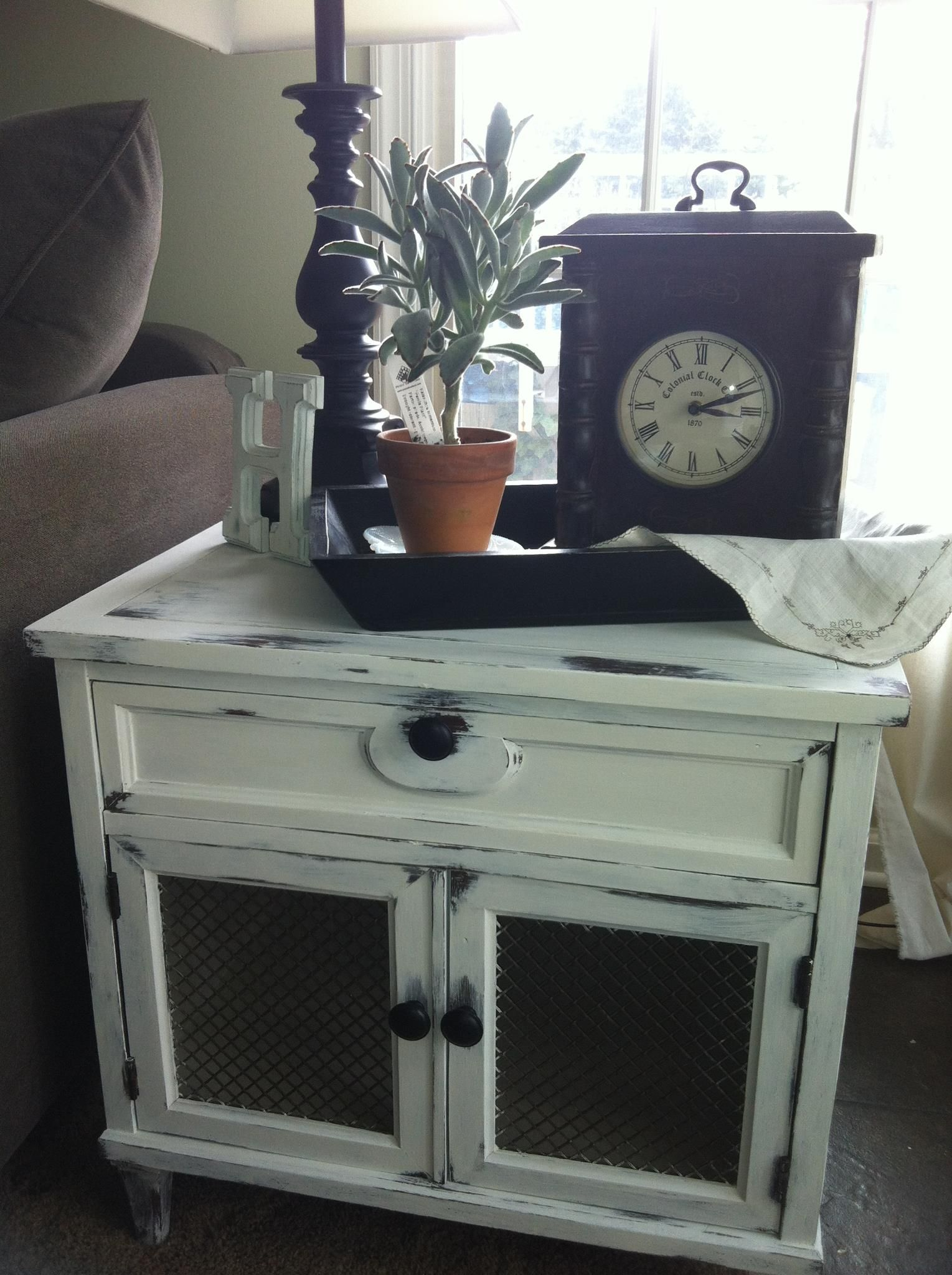 Took an old lamp table and added Annies Sloan chalk paint in Pure