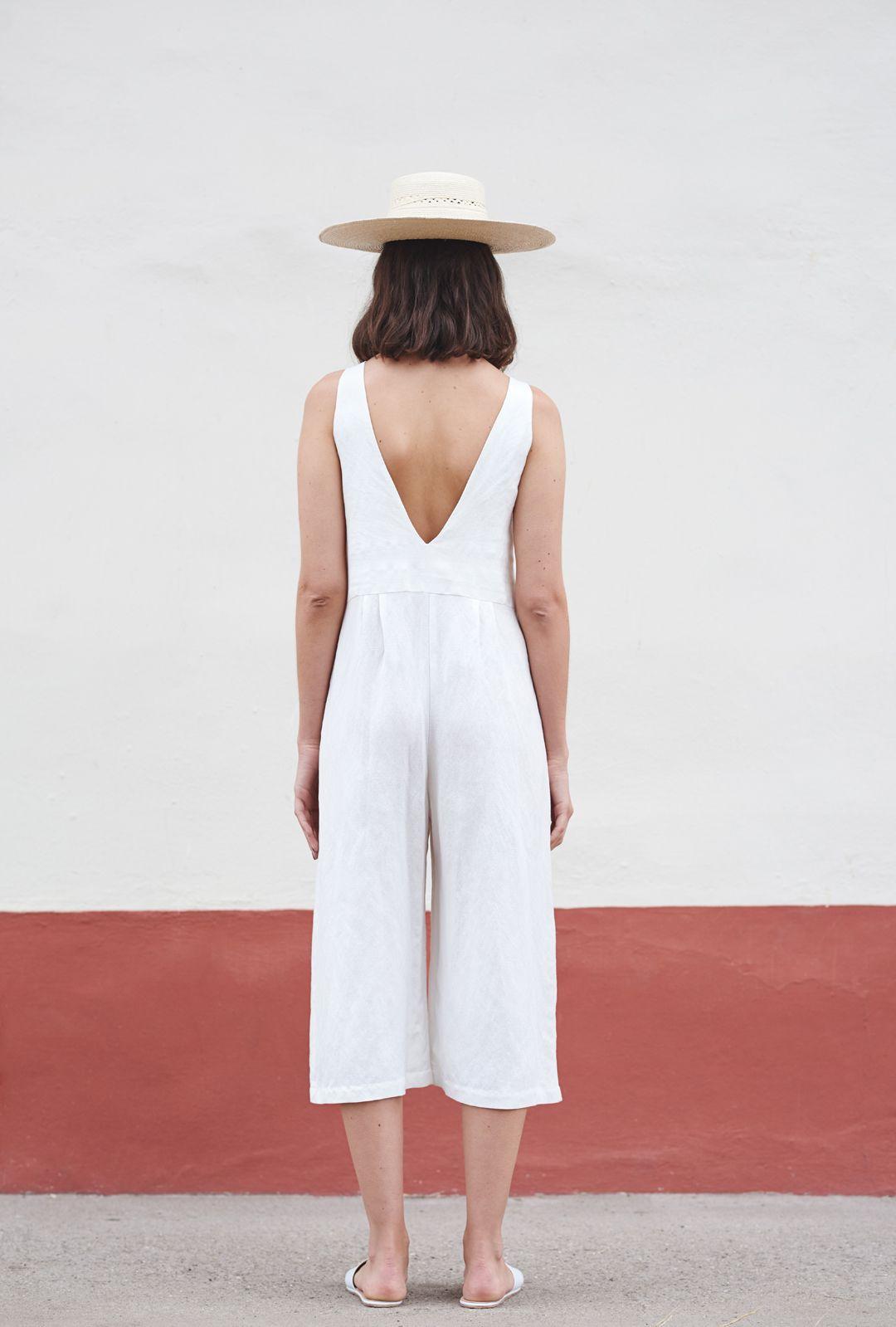 First Rite SS16 // simple white outfit, white jumpsuit, minimalist style, minimalist, how to wear a jumpsuit, wide brim hat
