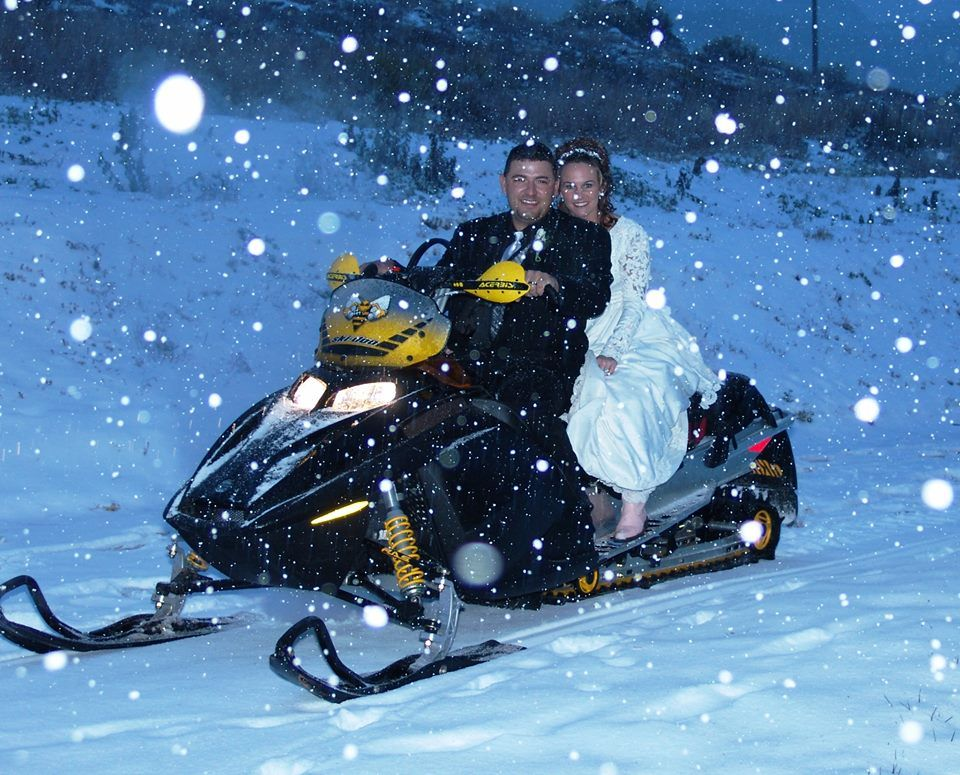 Something so romantic about a winter wedding and fun ...