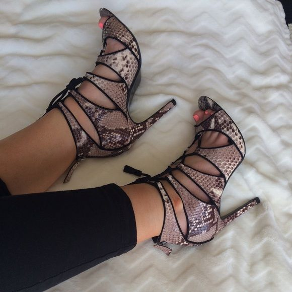 6477d1c38eb Zara} lace up heels Snake skin print lace up shoes. Hardly any wear ...