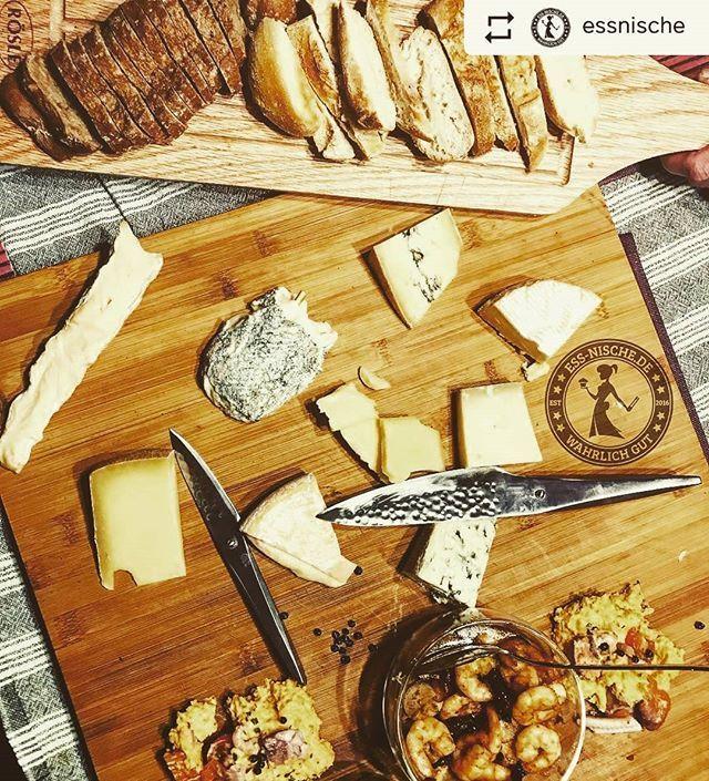 ❤️ #Repost @essnische ・・・ • Seit langem mal wieder einen richtig gemütlichen Abend gehabt • Frisches Baguette #fonduecheese