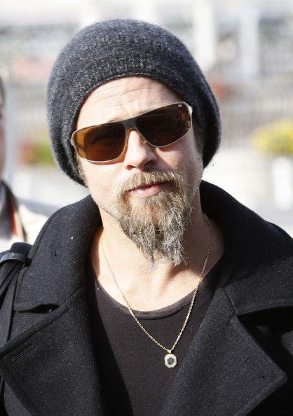 Brad Pitt rockin  the beanie a44cebac3fd