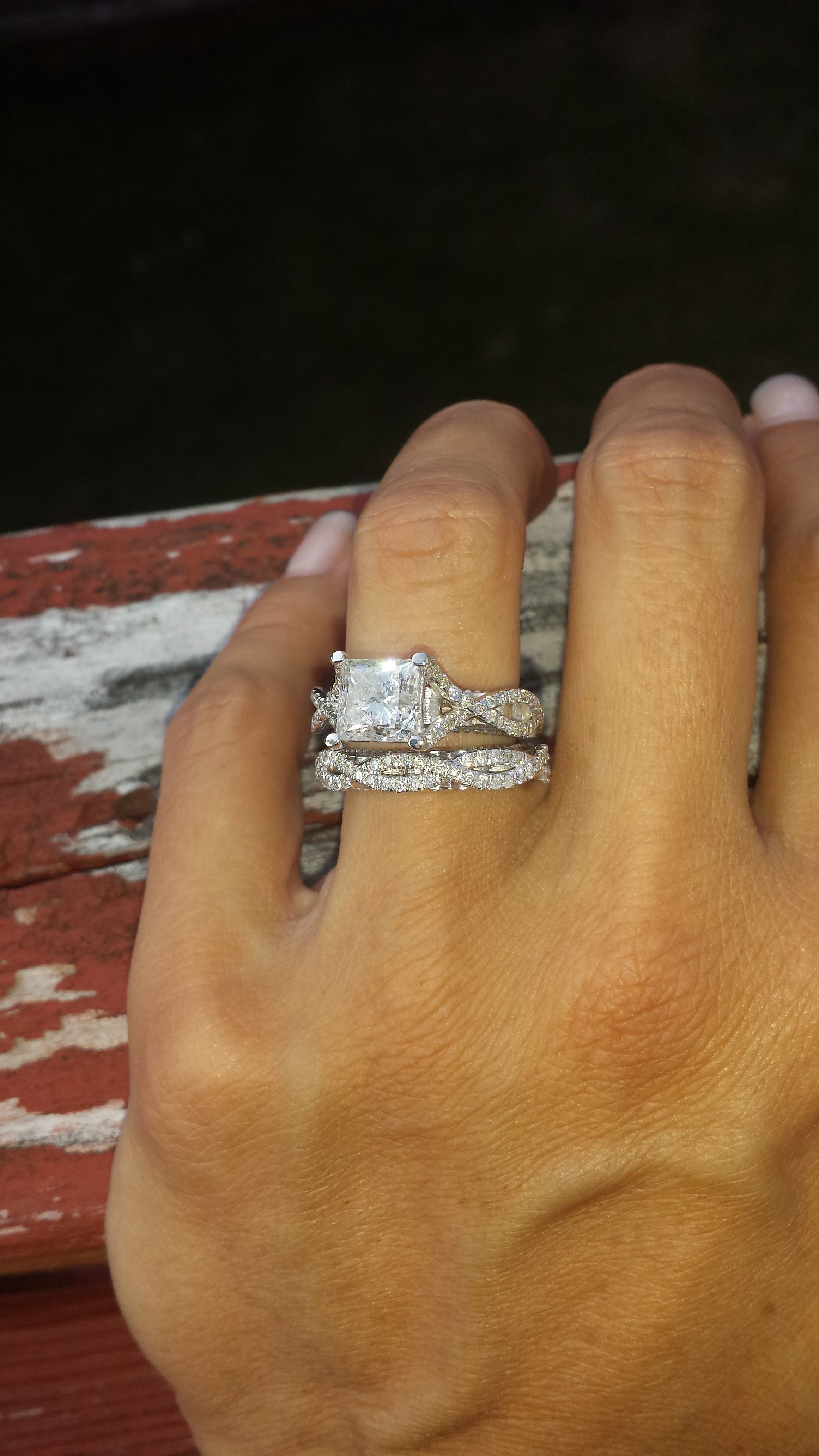 off russell in shows vegas ring reveals diamond karat wilson engagement carat pics stylish news denise s truscello ciara rings with